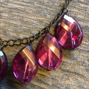 Jewelry - EUC REPOSHED LARGE PINK GEMS NECKLACE